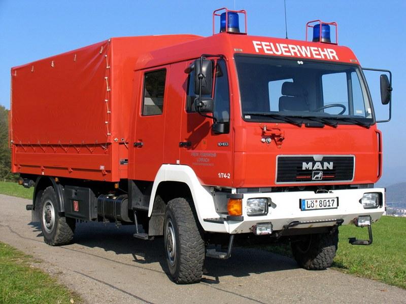 Dekontaminations-Mehrzweck-Fahrzeug